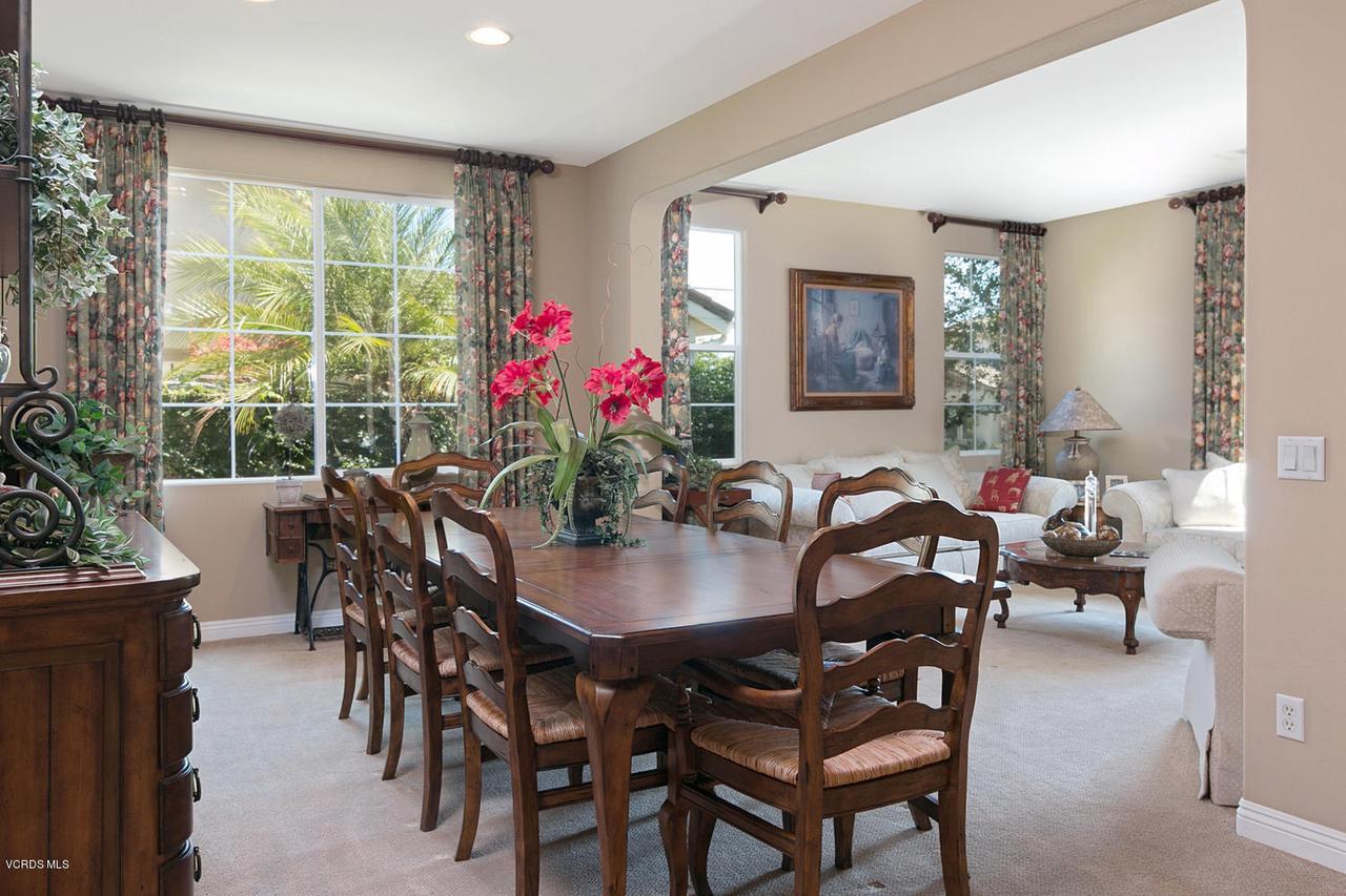 4292 SCHOLARTREE, Moorpark, CA 93021 - Dining Room