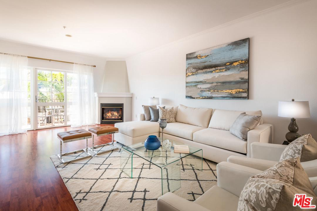 851 SAN VICENTE, West Hollywood, CA 90069