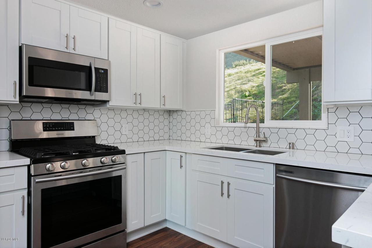 6458 SAN COMO, Camarillo, CA 93012 - 6458 San Como Ln-011-5-Kitchen-MLS_Size