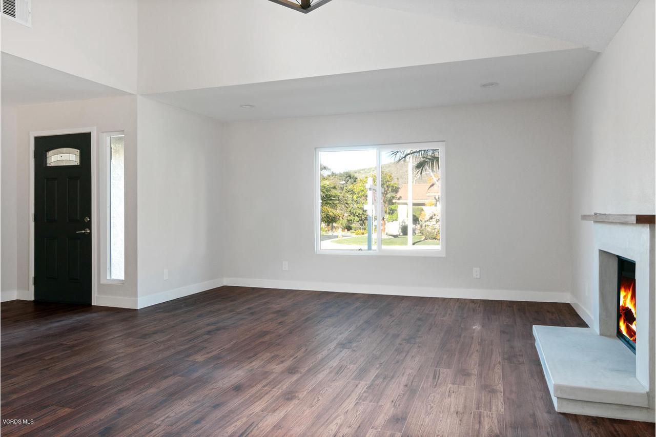6458 SAN COMO, Camarillo, CA 93012 - 6458 San Como Ln-018-4-Living Room-MLS_S