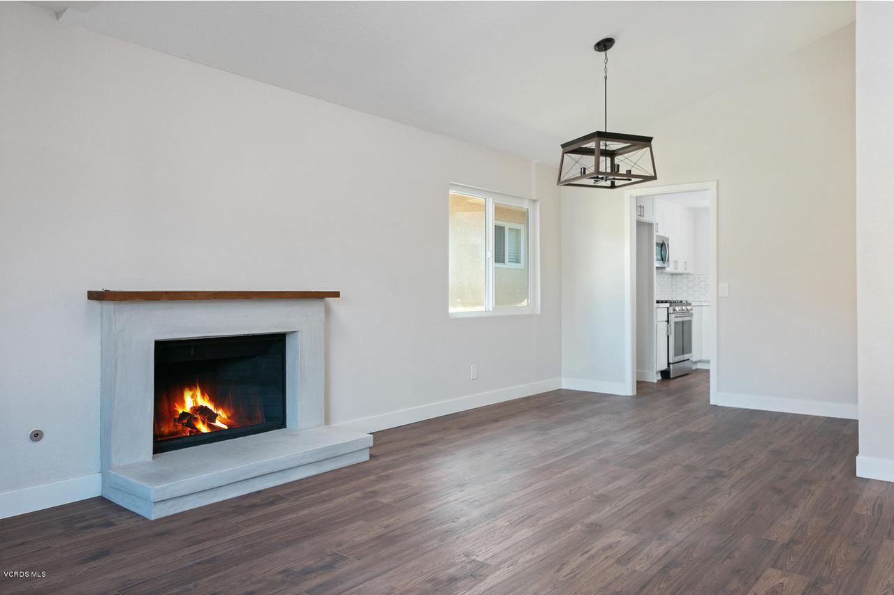 6458 SAN COMO, Camarillo, CA 93012 - 6458 San Como Ln-017-8-LivingDining Room