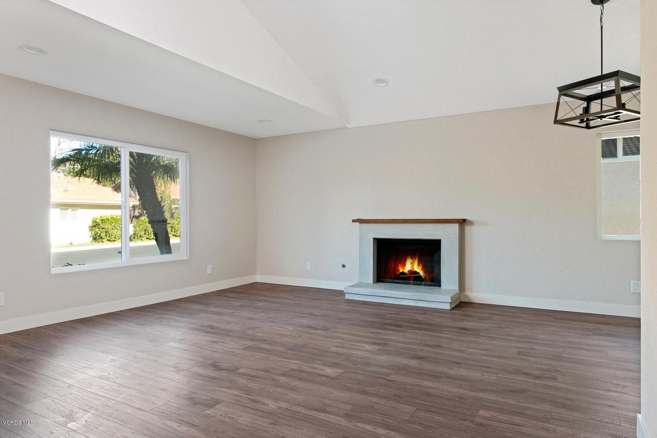 6458 SAN COMO, Camarillo, CA 93012 - 6458 San Como Ln-016-3-Living Room-MLS_S