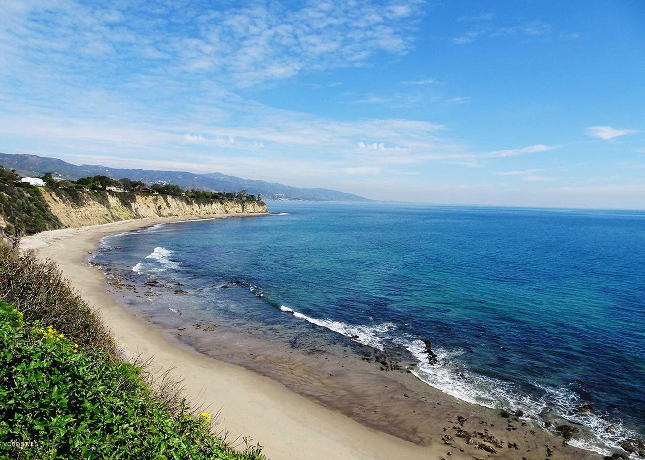 20475 ROCA CHICA, Malibu, CA 90265 - Malibu-Beach-Photo3-MiaGreen