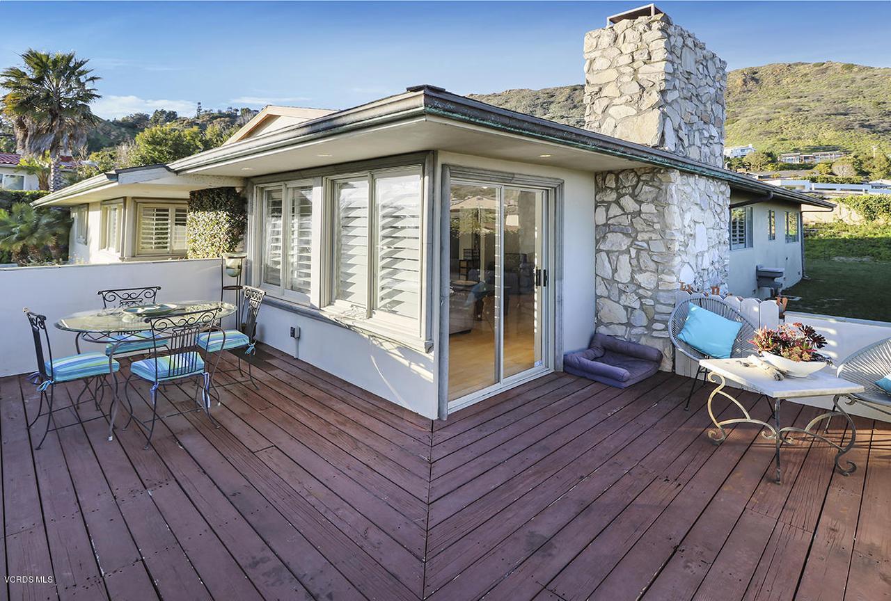 20475 ROCA CHICA, Malibu, CA 90265 - bDeck and View3