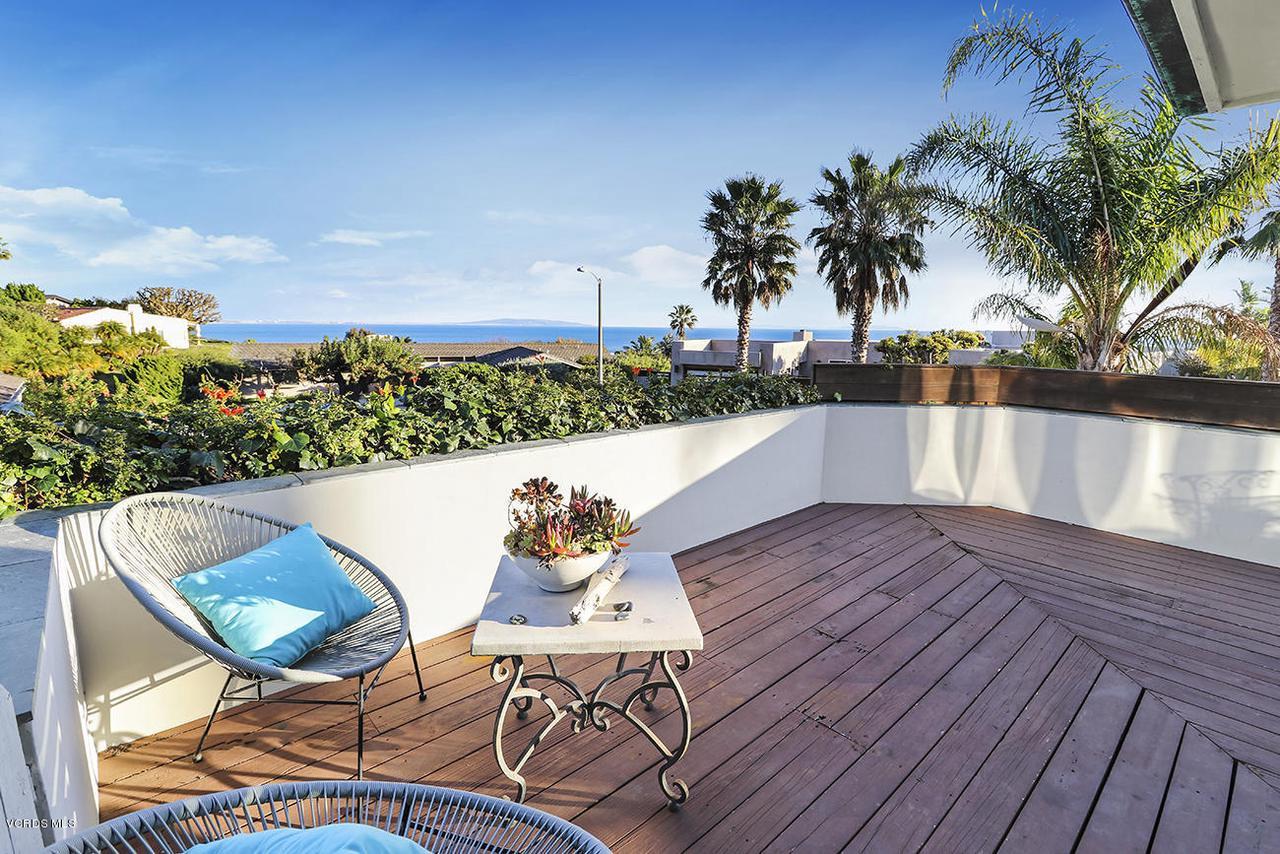 20475 ROCA CHICA, Malibu, CA 90265 - bDeck and View2