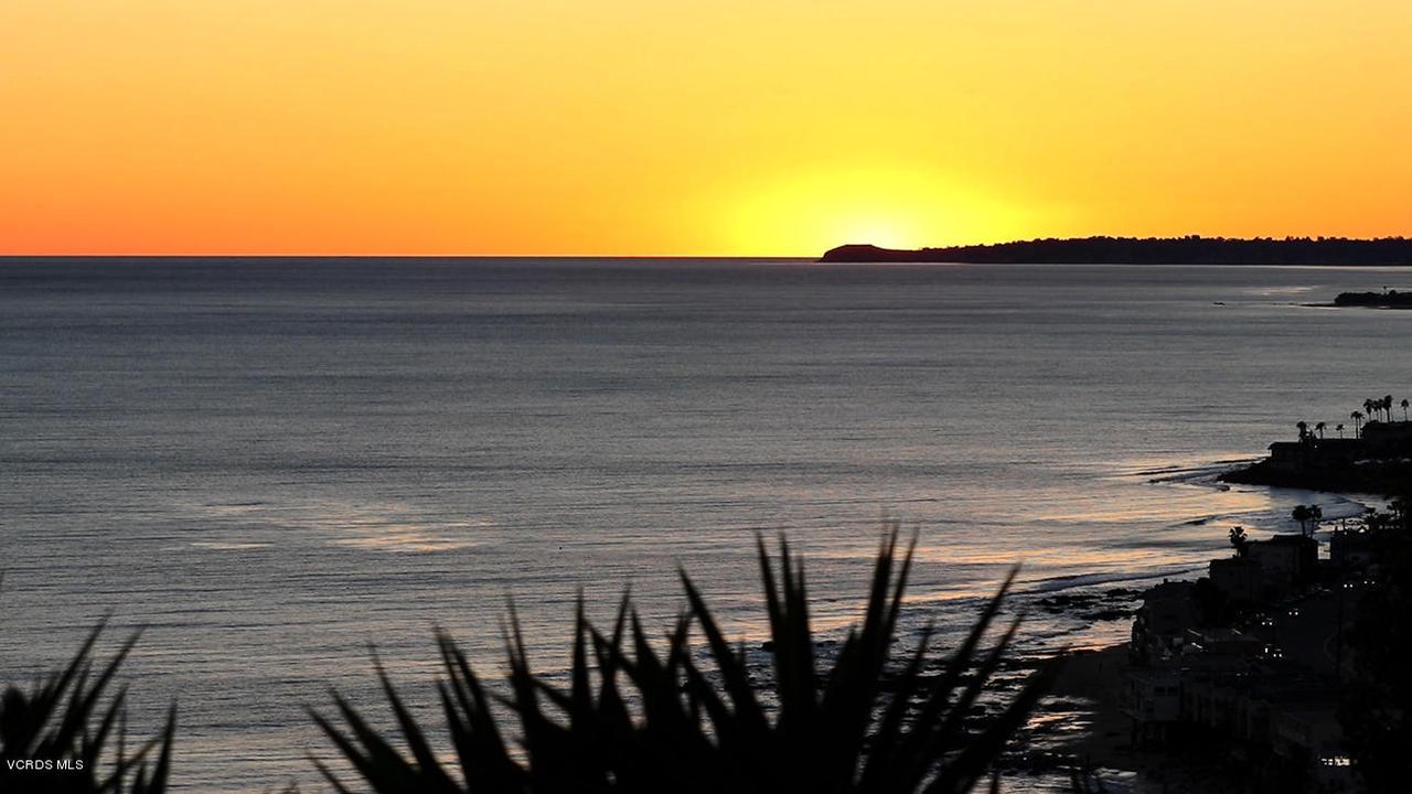 20475 ROCA CHICA, Malibu, CA 90265 - Sunset View