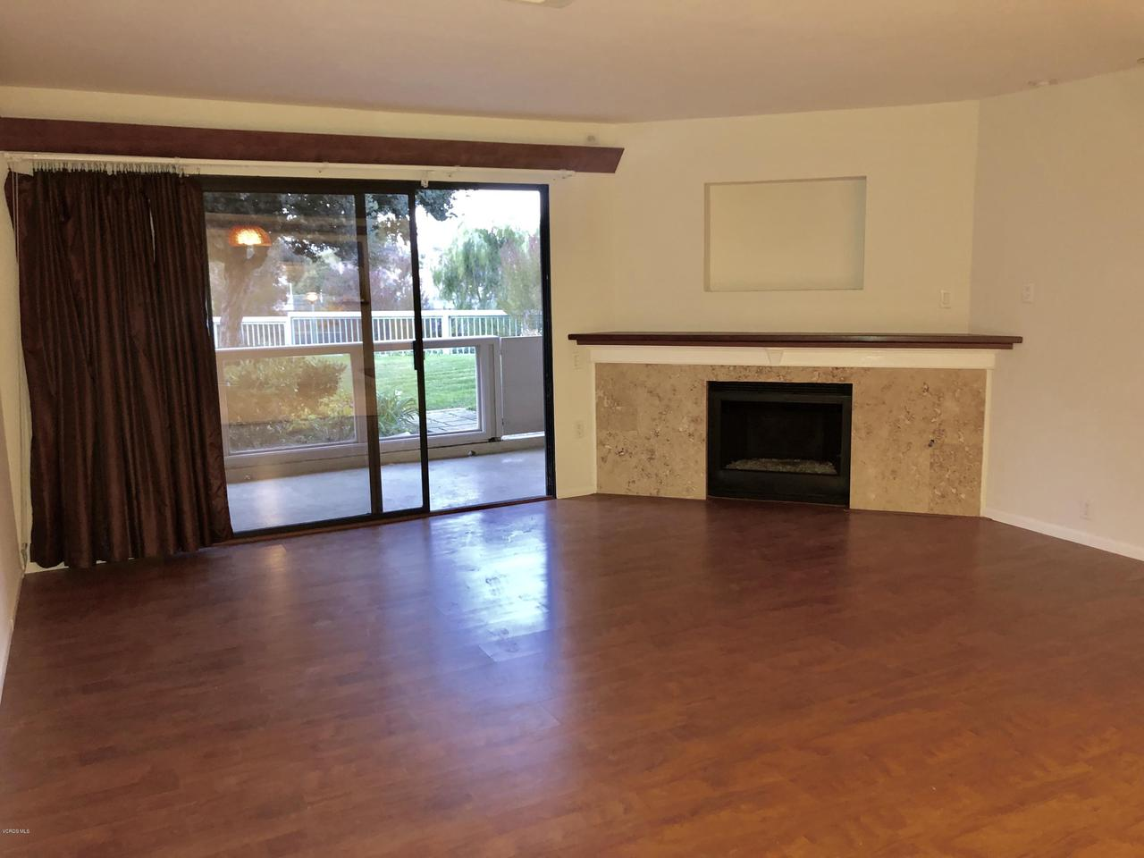 707 ISLAND VIEW, Port Hueneme, CA 93041 - LIVING AREA