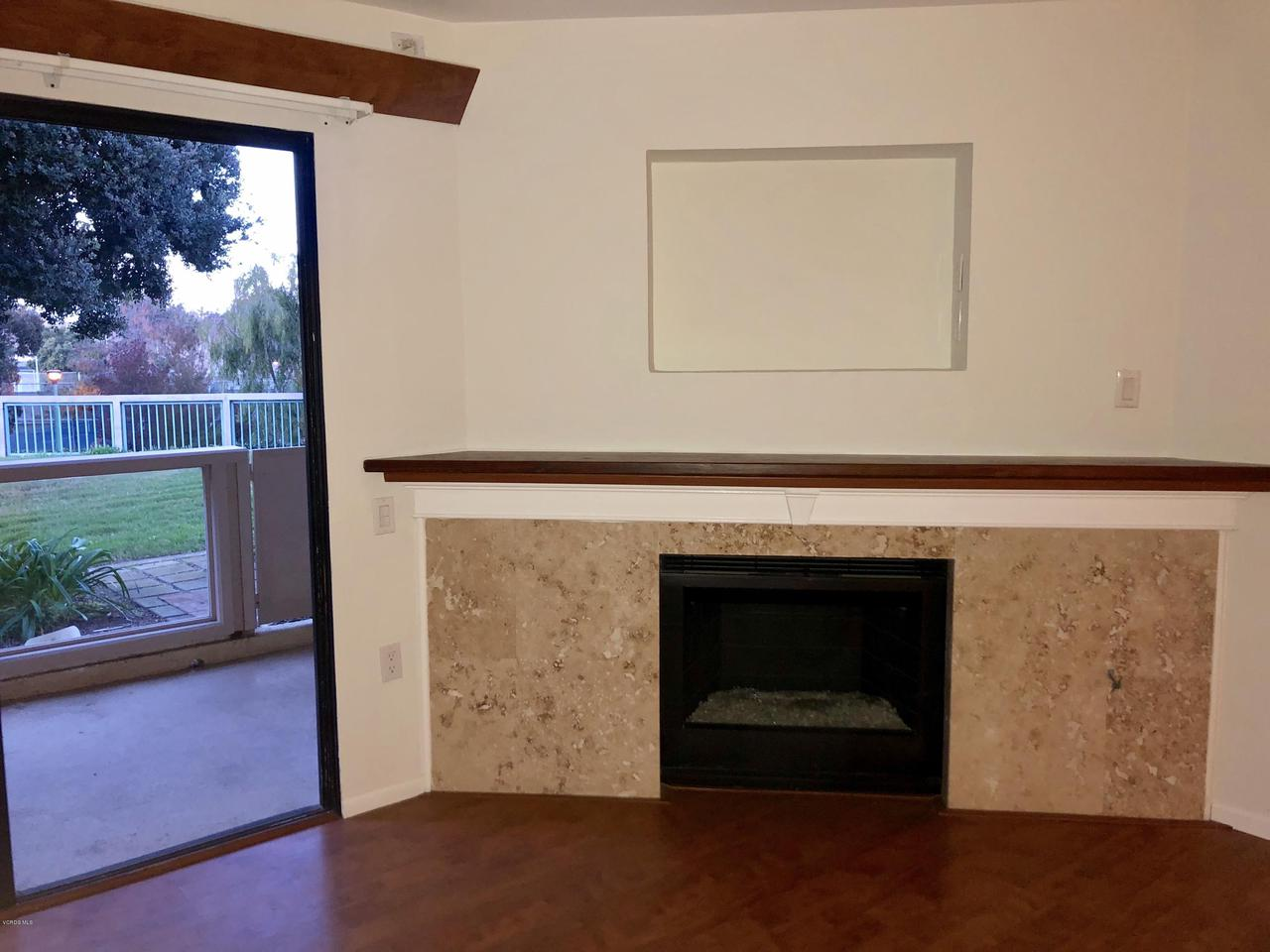 707 ISLAND VIEW, Port Hueneme, CA 93041 - FIREPLACE