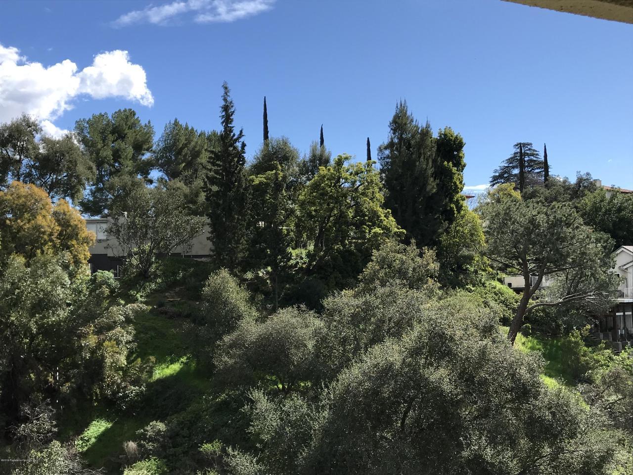 1348 WIERFIELD, Pasadena, CA 91105 - 3