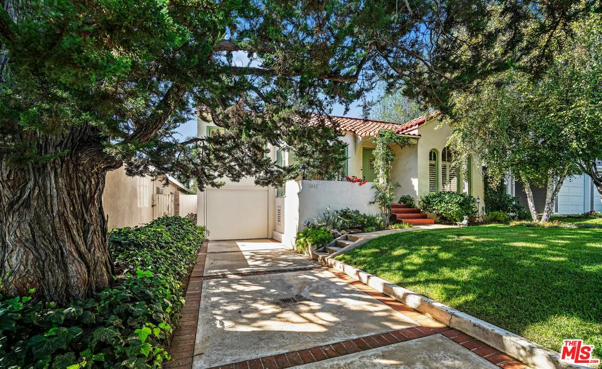 1047 GALLOWAY, Pacific Palisades, CA 90272