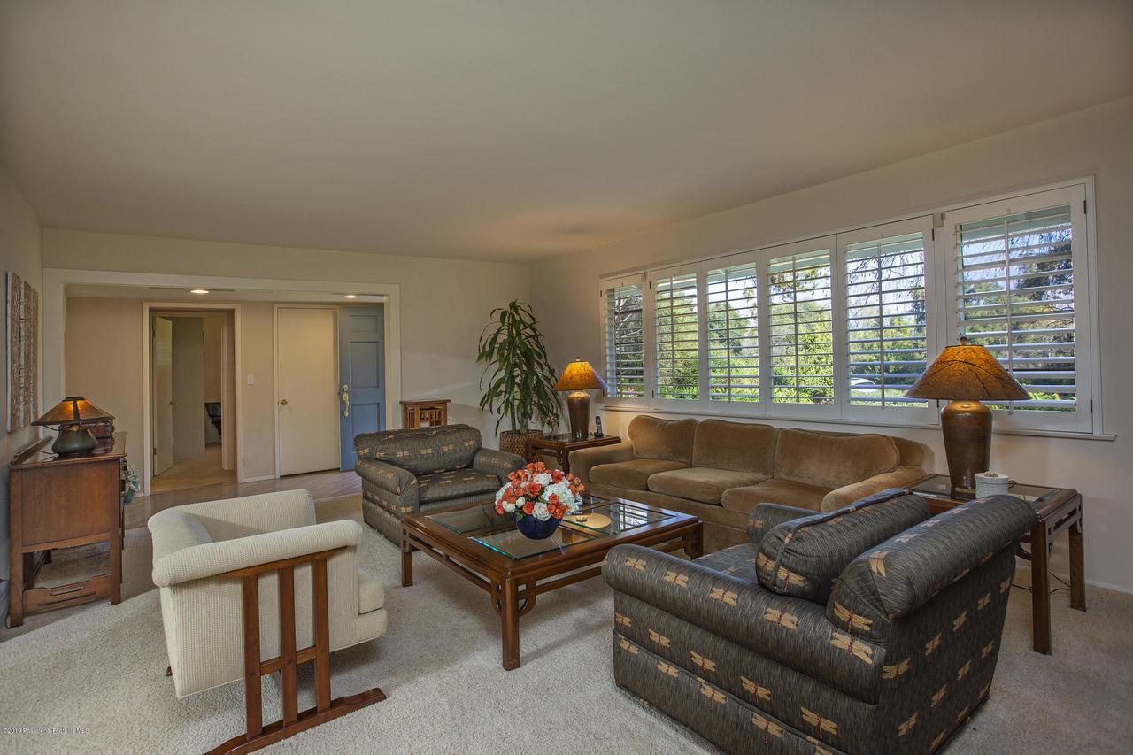1215 LINDA RIDGE, Pasadena, CA 91103 - 6