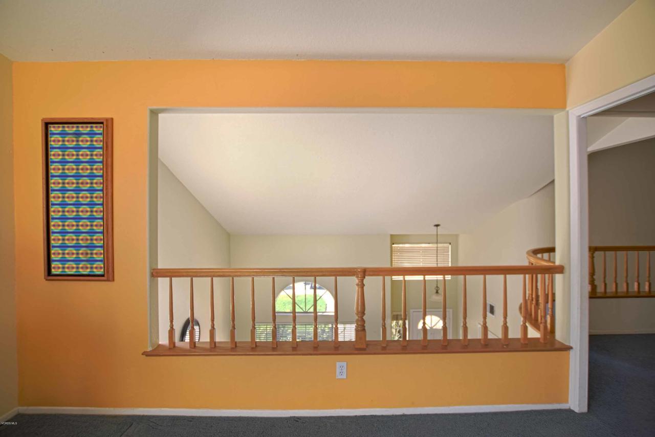 440 MOCKINGBIRD, Fillmore, CA 93015 - Loft and Entrance_