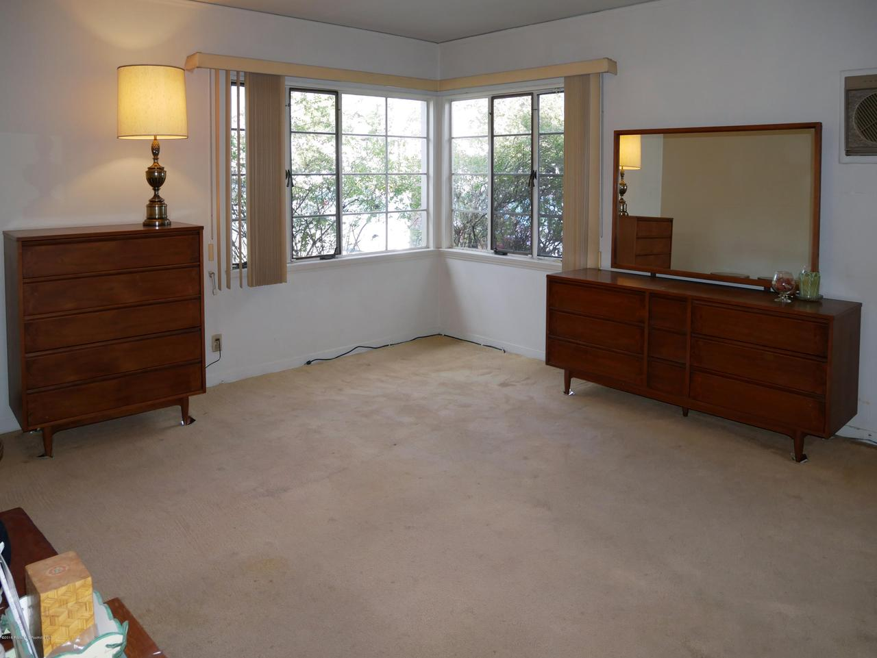 2432 ORANGE GROVE, Pasadena, CA 91104 - Master Bed 1