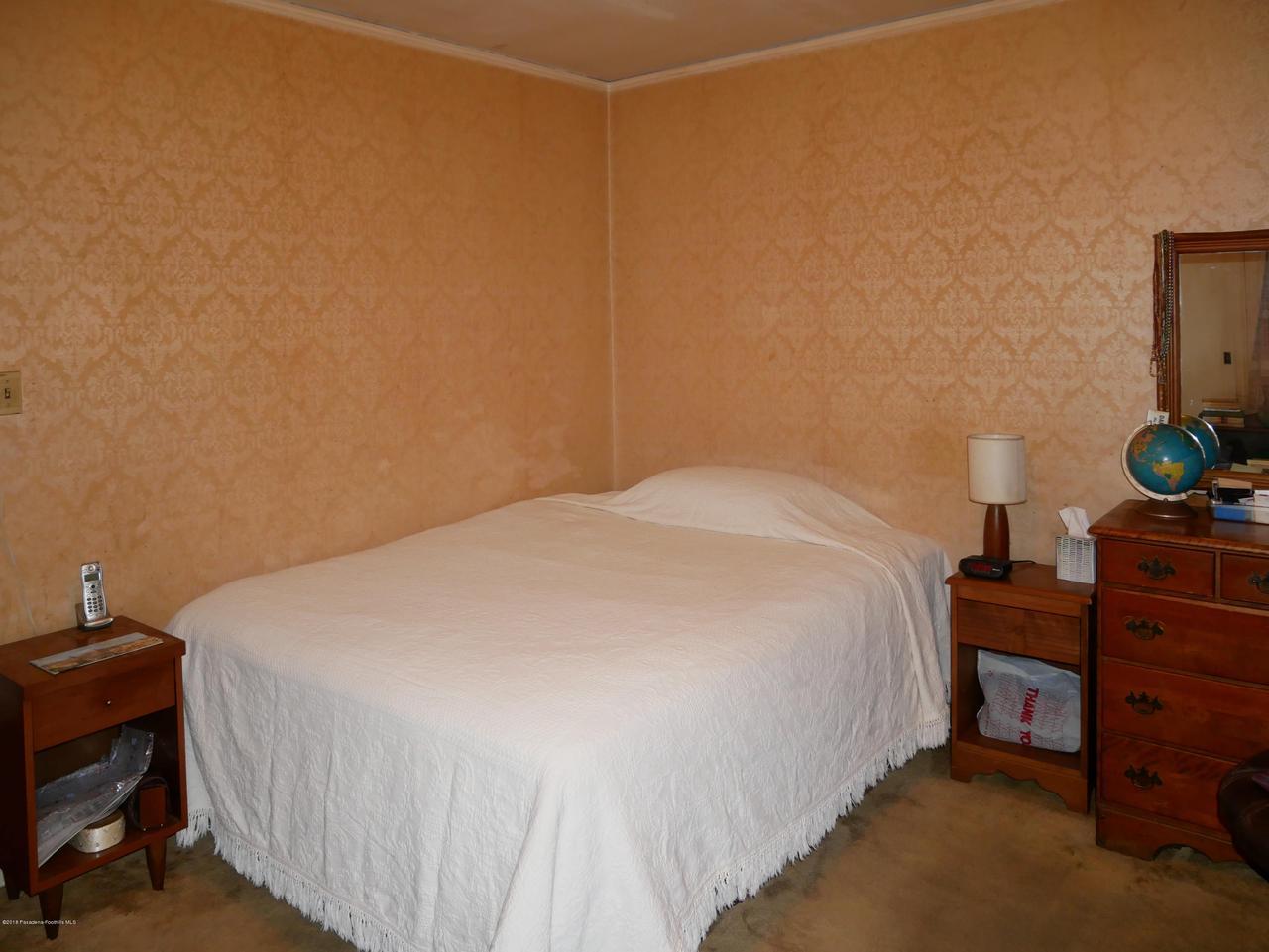 2432 ORANGE GROVE, Pasadena, CA 91104 - Second Bedroom 1