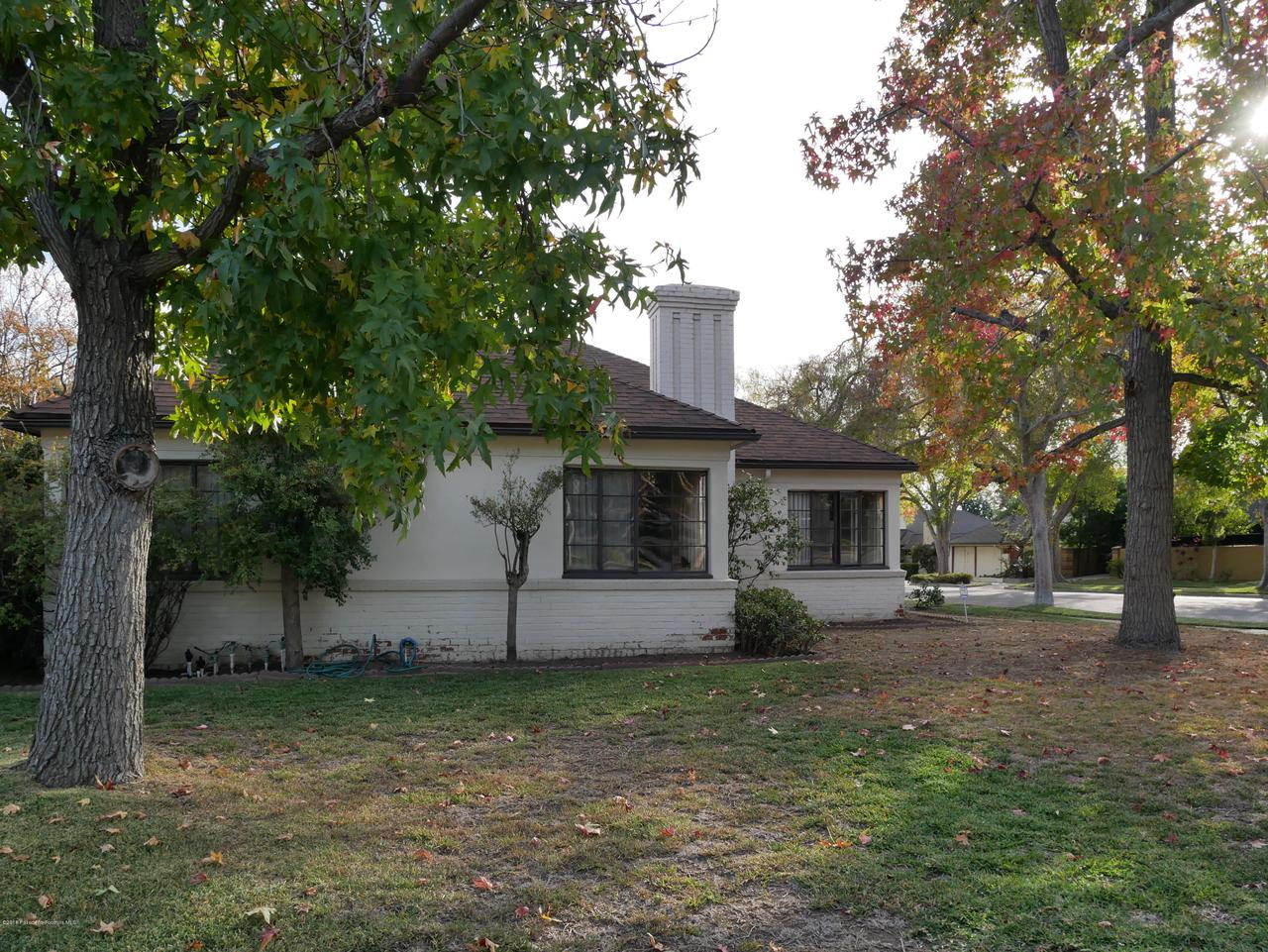 2432 ORANGE GROVE, Pasadena, CA 91104 - Front yard 3
