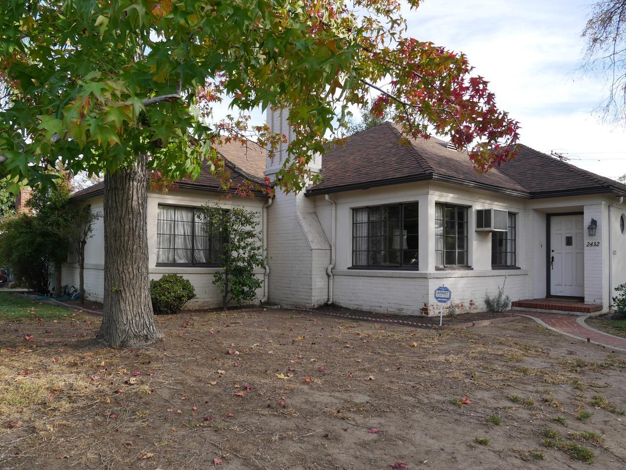 2432 ORANGE GROVE, Pasadena, CA 91104 - Front yard 2