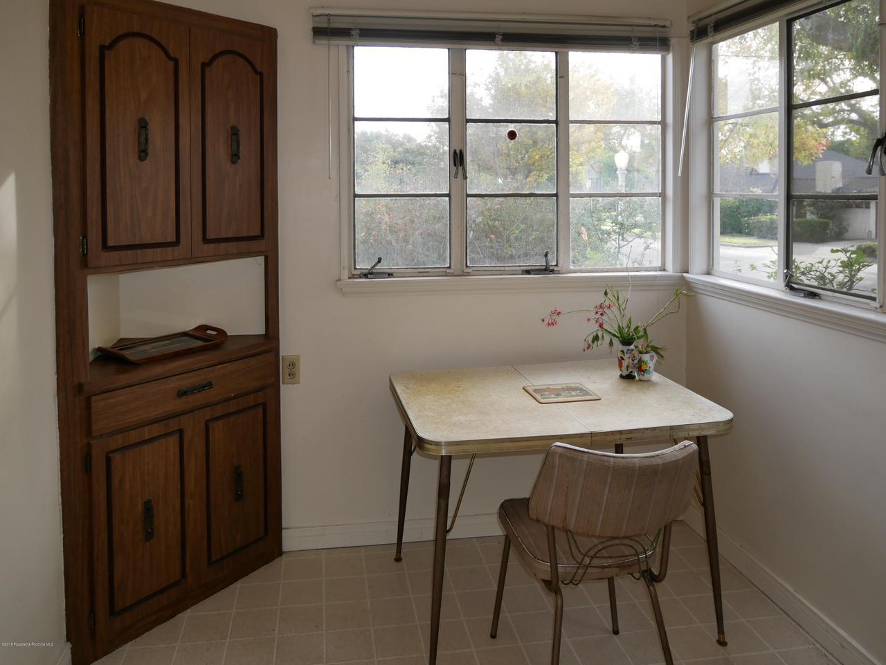 2432 ORANGE GROVE, Pasadena, CA 91104 - Breakfast Room