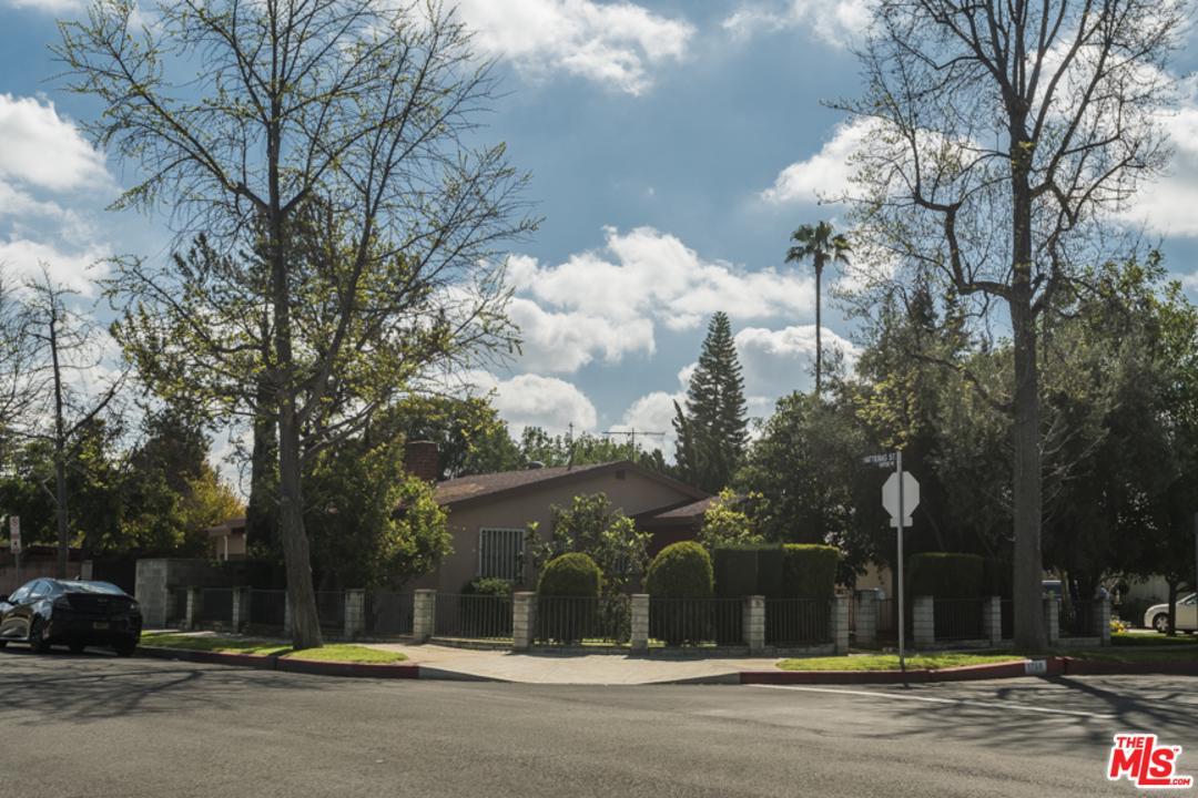 5758 WILLIS, Sherman Oaks, CA 91411