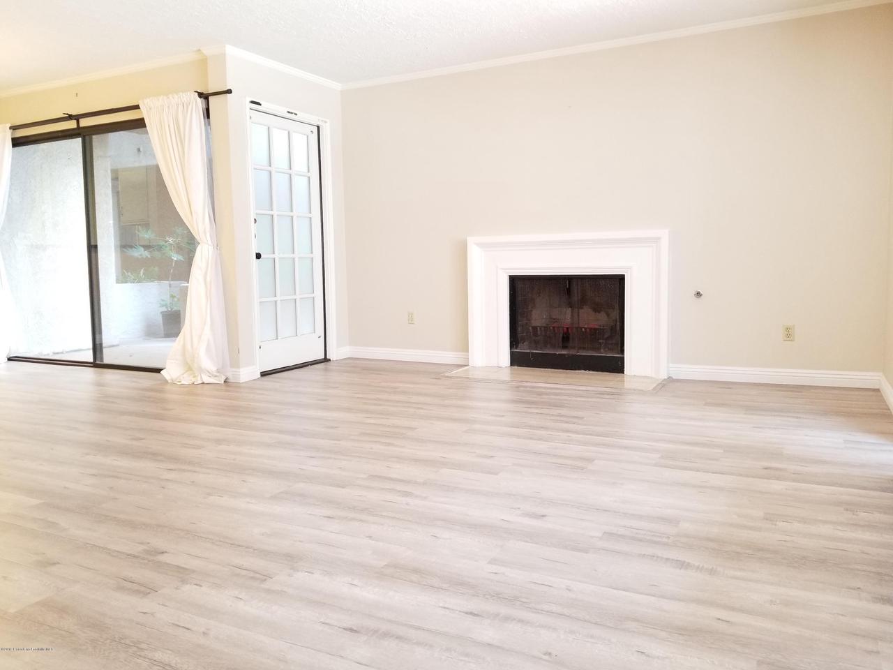 124 MONTEREY, South Pasadena, CA 91030 - Fireplace