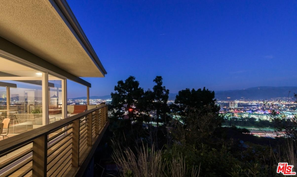 3512 MULTIVIEW, Los Angeles (City), CA 90068