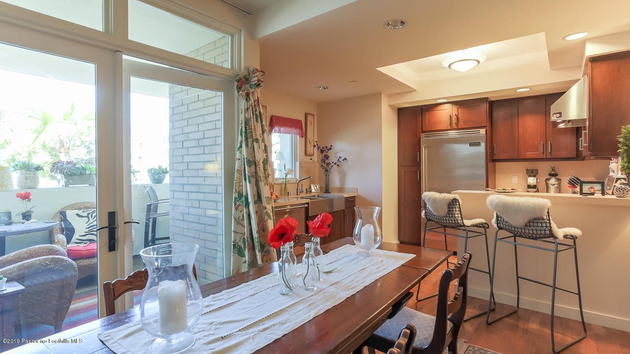 920 GRANITE, Pasadena, CA 91101 - Dining:Kitchen:Deck