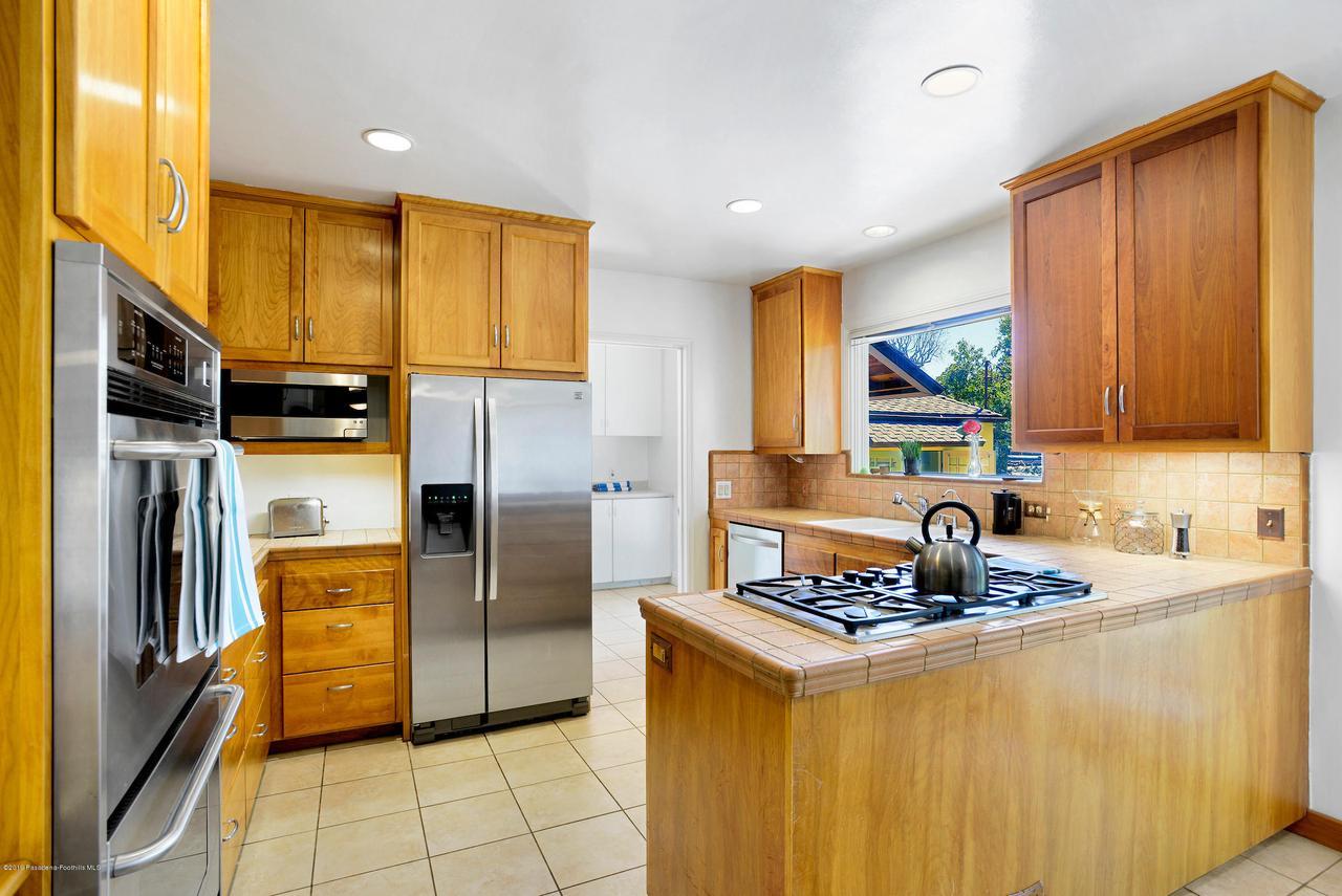 2470 GLEN CANYON, Altadena, CA 91001 - 2470_Glen_Canyon_020