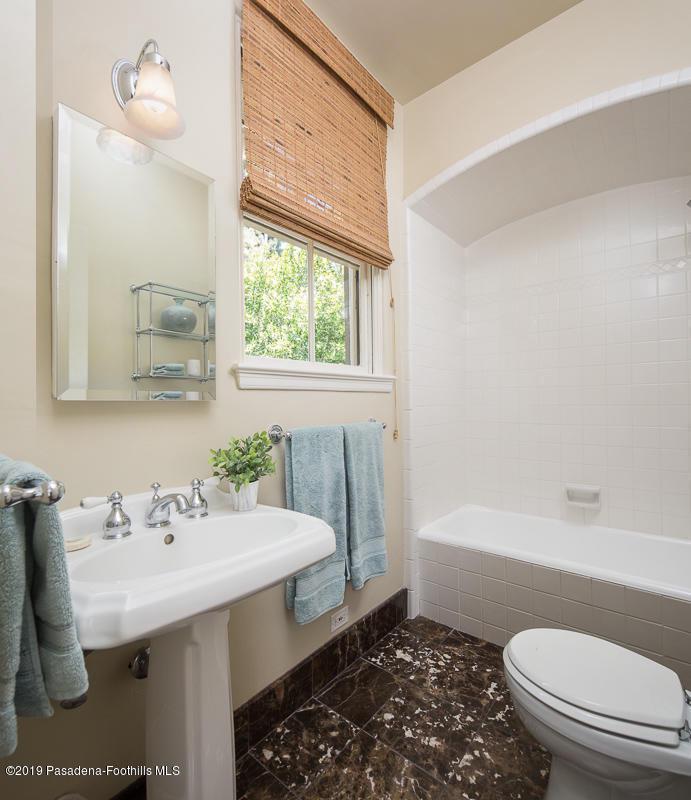 1560 HOMEWOOD, Altadena, CA 91001 - 47-1560 Homewood_159v1_mls