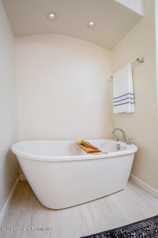 1560 HOMEWOOD, Altadena, CA 91001 - 32f-1560 Homewood_393_mls