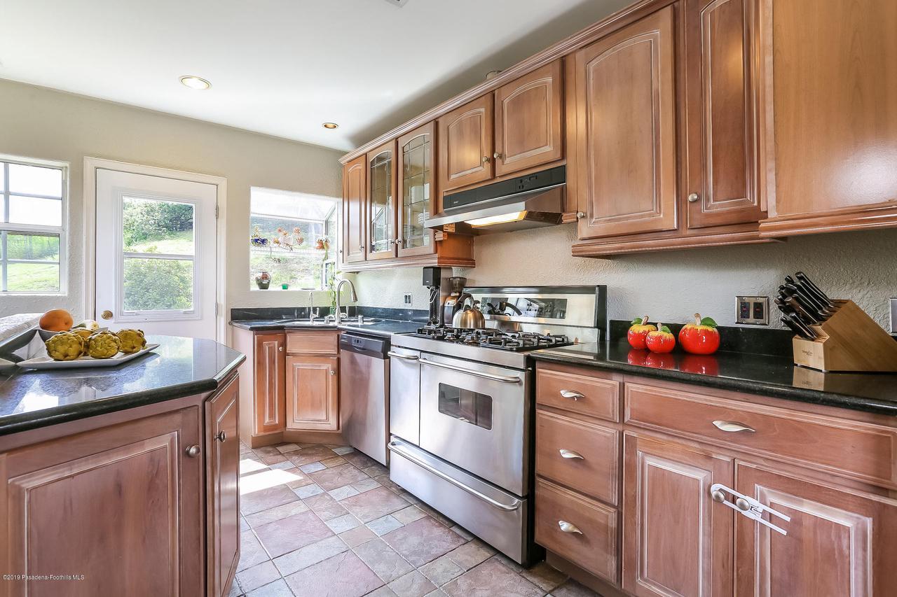 1654 GLEN AYLSA, Los Angeles (City), CA 90041 - 009-photo-kitchen-6869218