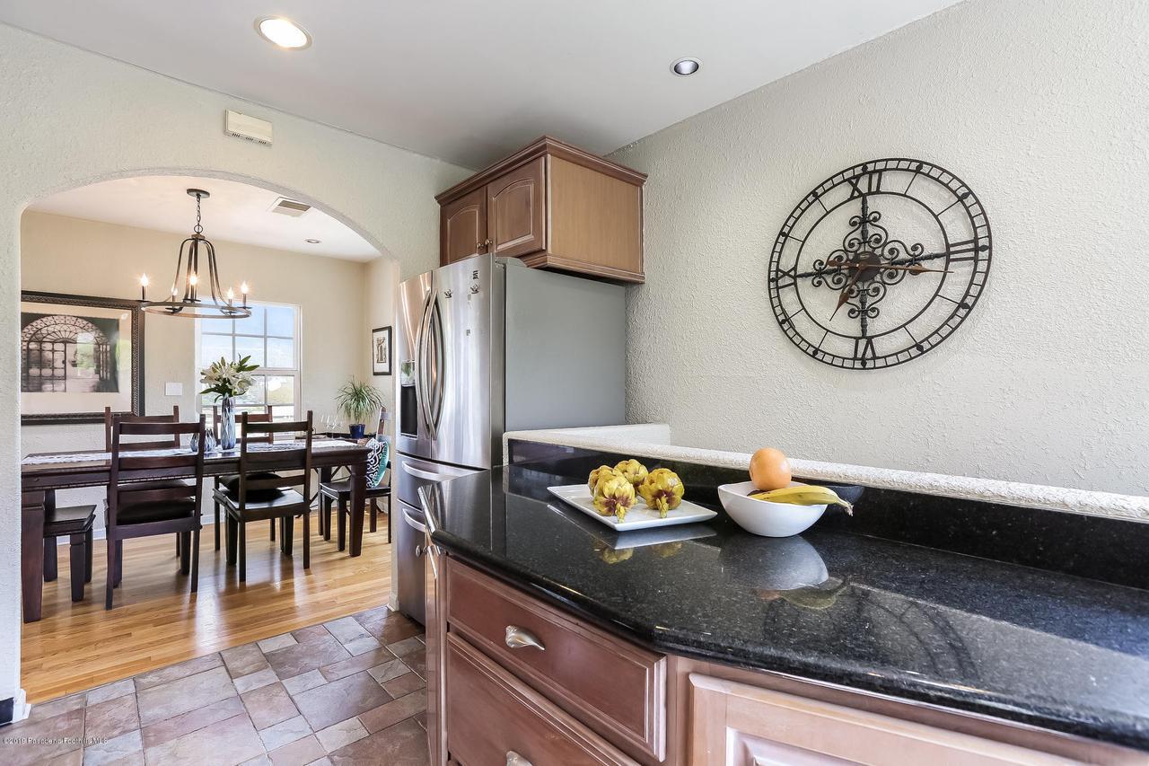 1654 GLEN AYLSA, Los Angeles (City), CA 90041 - 008-photo-kitchen-6869205