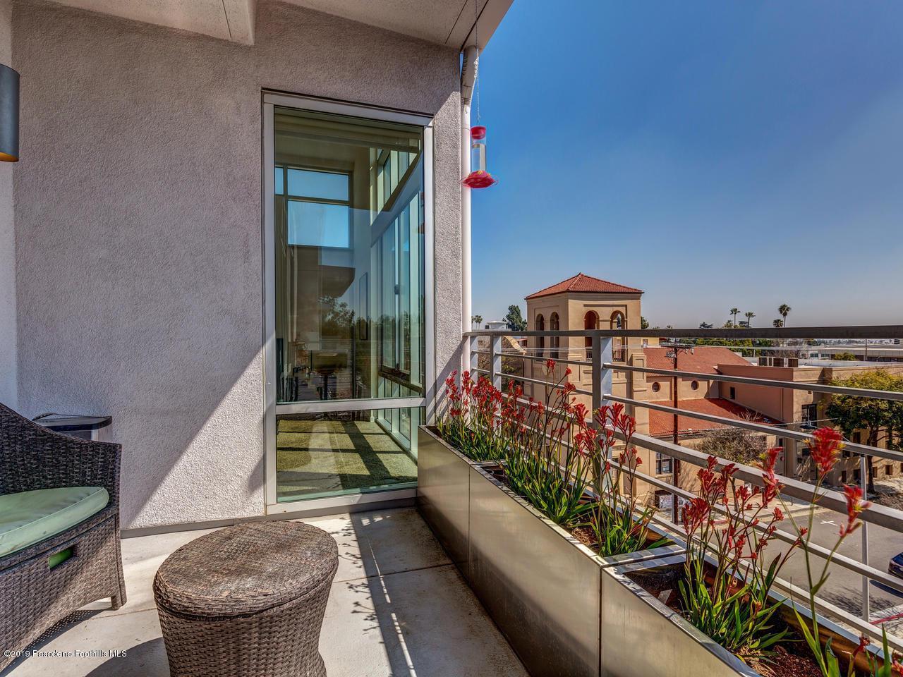 111 DE LACEY, Pasadena, CA 91105 - Balcony