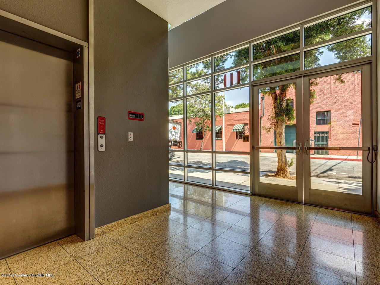 111 DE LACEY, Pasadena, CA 91105 - DeLacey Lobby