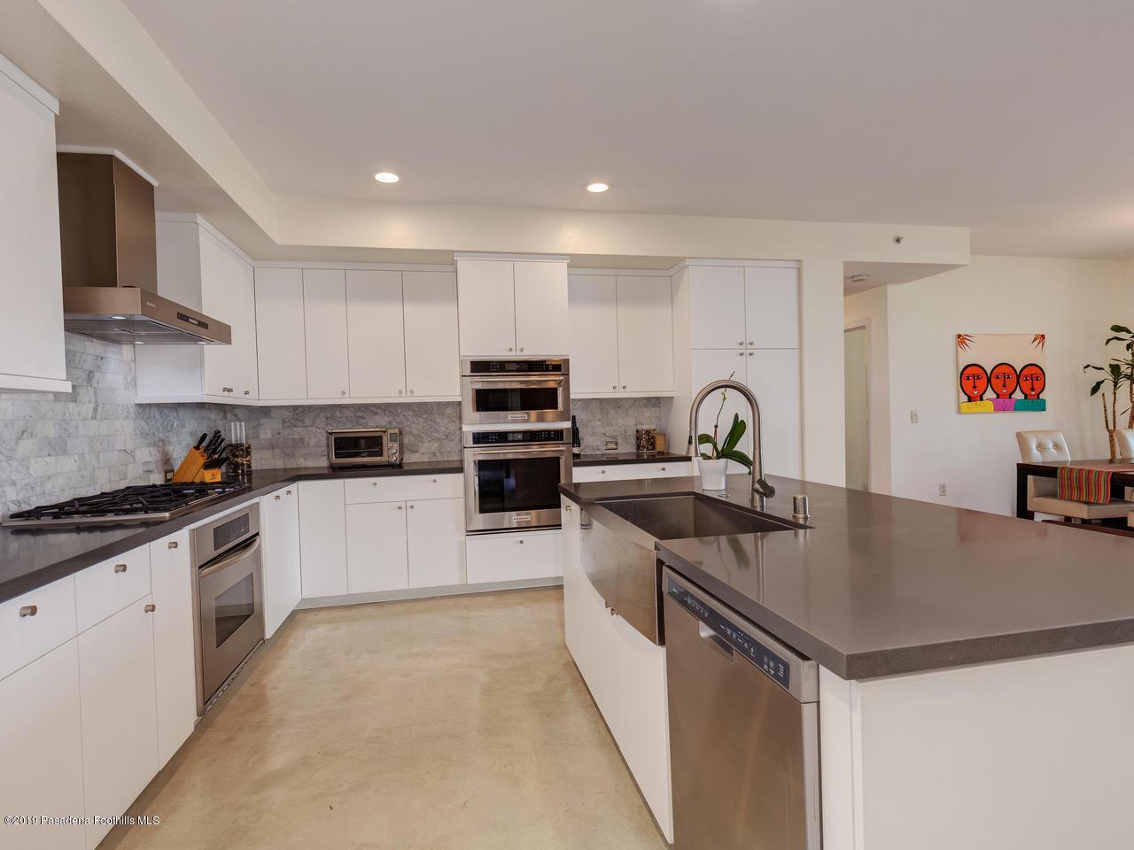 111 DE LACEY, Pasadena, CA 91105 - Kitchen