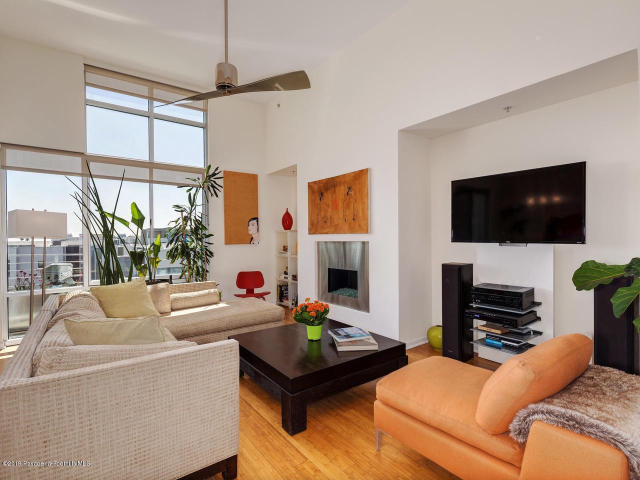 111 DE LACEY, Pasadena, CA 91105 - Living Area