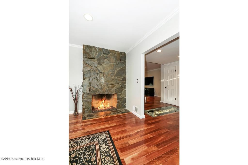 2357 SANTA ROSA, Altadena, CA 91001 - Fireplace