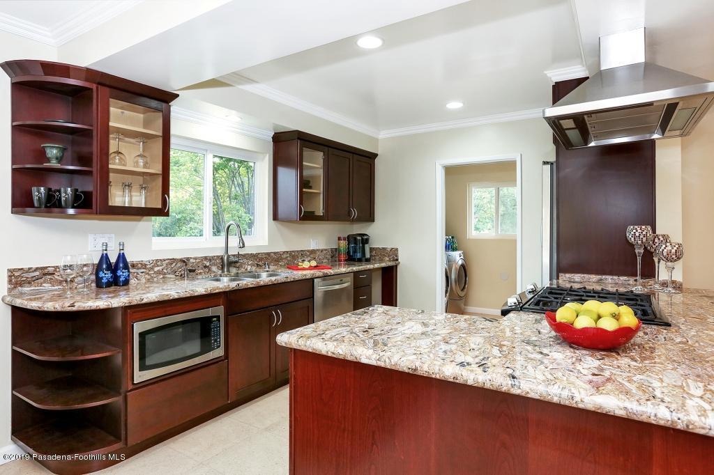 2357 SANTA ROSA, Altadena, CA 91001 - Kitchen2