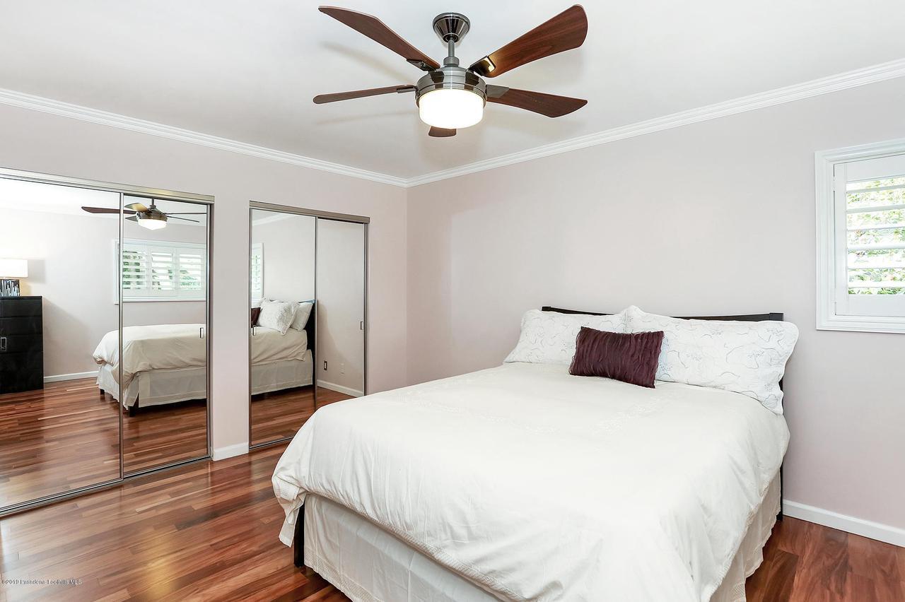 2357 SANTA ROSA, Altadena, CA 91001 - Bedroom2a
