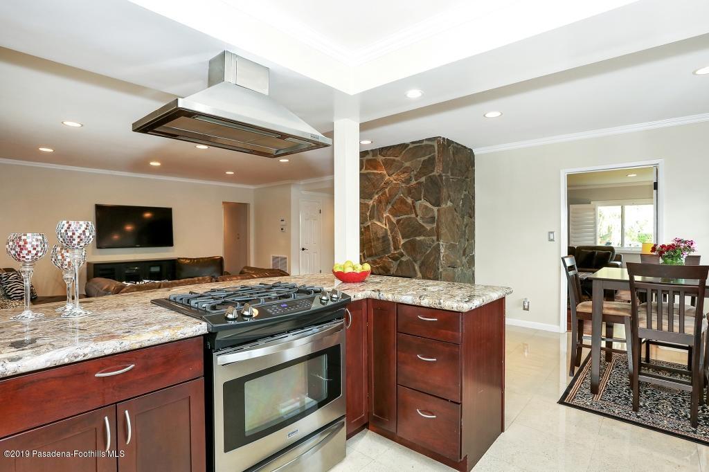 2357 SANTA ROSA, Altadena, CA 91001 - kitchen3