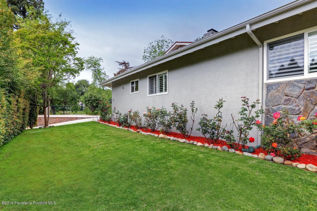 2357 SANTA ROSA, Altadena, CA 91001 - SideHouse