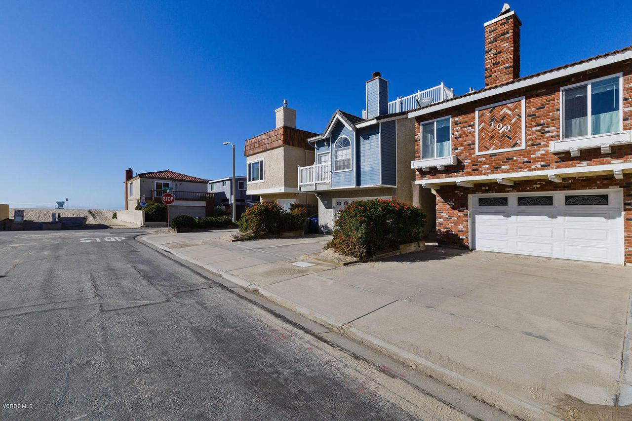 109 LA CRESCENTA, Oxnard, CA 93035 - 002_2front_of_home