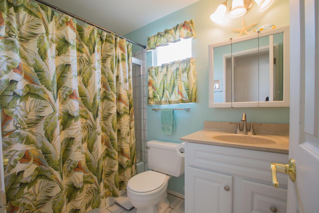 109 LA CRESCENTA, Oxnard, CA 93035 - 016_16bathroom