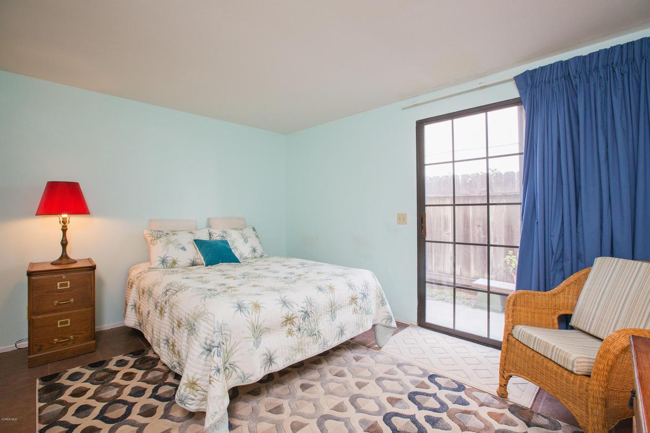 109 LA CRESCENTA, Oxnard, CA 93035 - 014_14master_bedroom