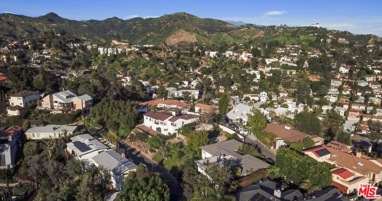 2461 CRESTON, Los Angeles (City), CA 90068