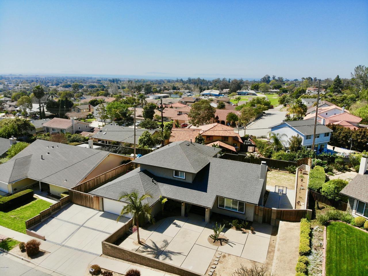 321 BURNETT, Ventura, CA 93003 - 1