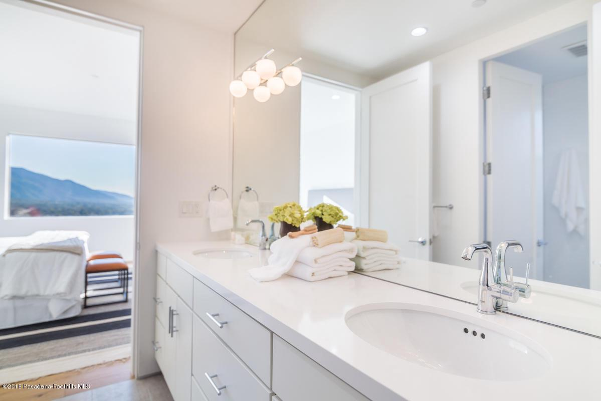 1509 INVERNESS, Pasadena, CA 91103 - Bathroom A_1509 Inverness Drive_Jason Me