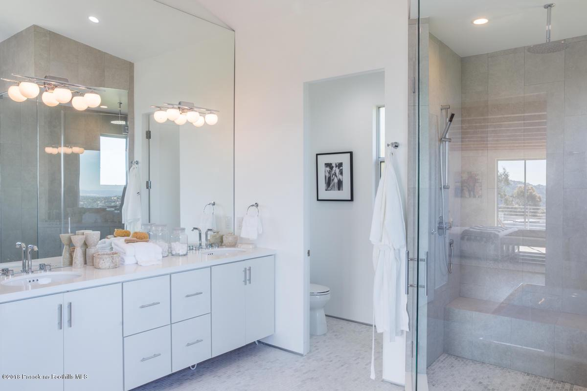 1509 INVERNESS, Pasadena, CA 91103 - Master Bathroom_1509 Inverness Drive_Jas