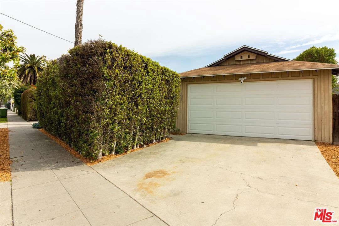 11682 ERWIN, North Hollywood, CA 91606