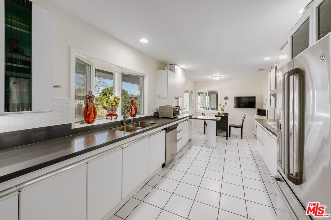 20271 ALLENTOWN, Woodland Hills, CA 91364