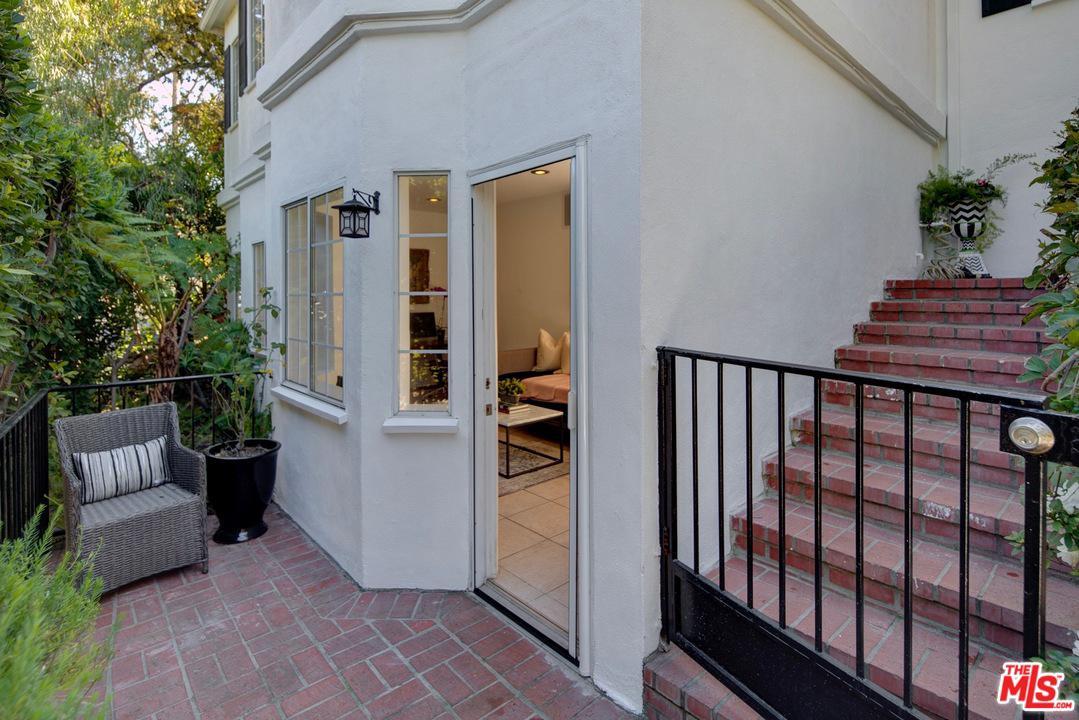 3179 LINDO, Los Angeles (City), CA 90068