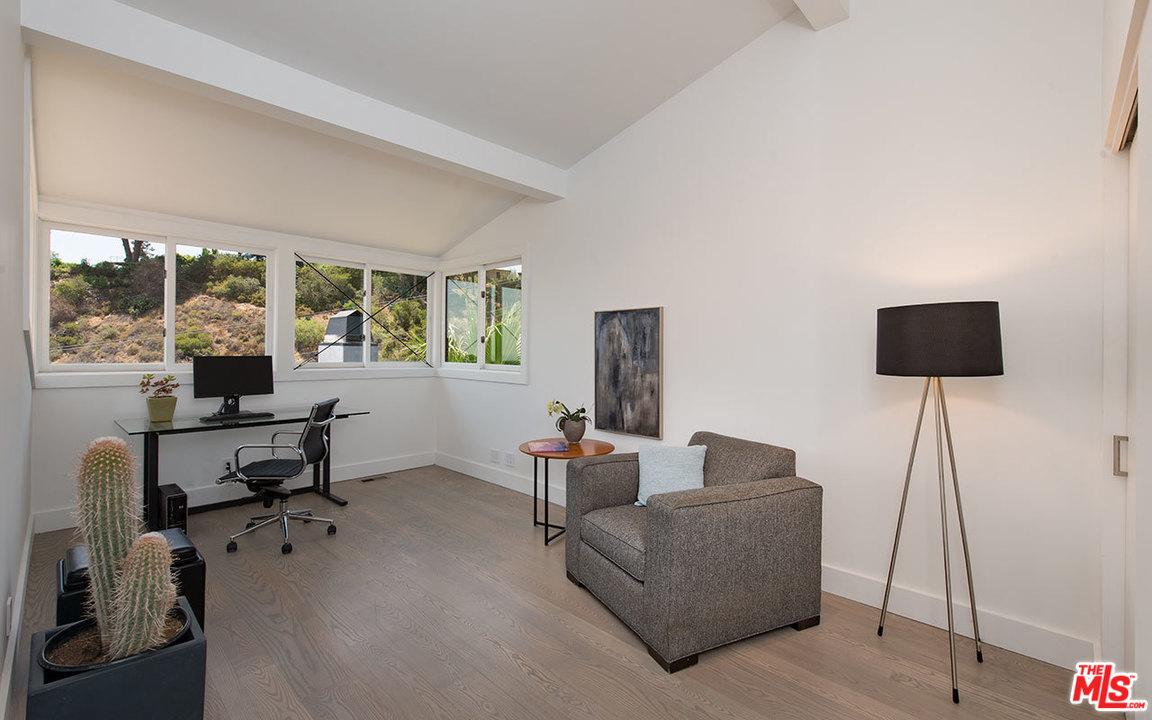 7010 PACIFIC VIEW, Los Angeles (City), CA 90068